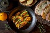 Карпачо из лосося и авокадо с соусом понзу